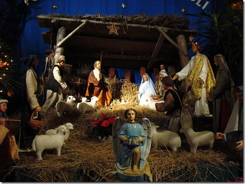 04567_Christmas_nativity_scene_at_the_Franciscan_church_in_Sanok_2010_thumb