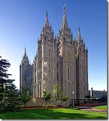 220px-Salt_Lake_Temple,_Utah_-_Sept_2004-2